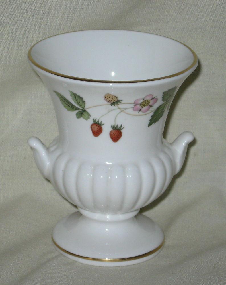 wedgwood bone china wild strawberry vase of mint wedgwood wild strawberry small bone china urn made in england pertaining to mint wedgwood wild strawberry small bone china urn made in england ebay