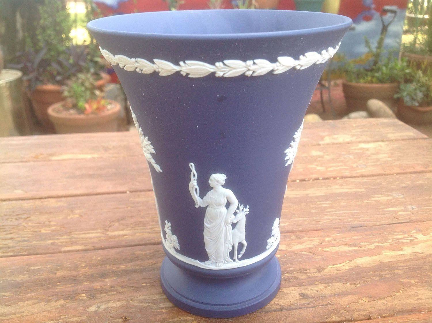 "wedgwood jasper vase of vintage dark blue wedgwood jasperware arcadian footed vase etsy in dŸ""Žzoom"