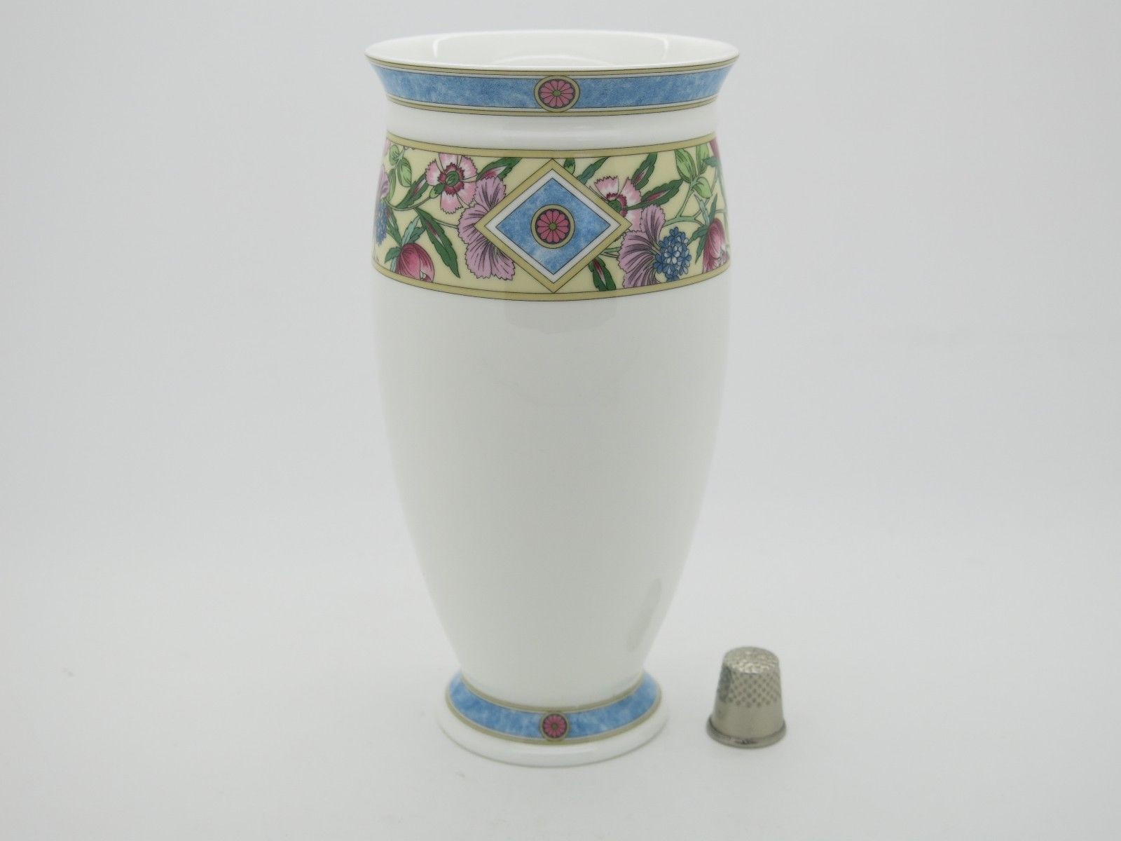 Wedgwood Kutani Crane Bud Vase Of Wedgwood Sarah Pattern Tall Vase Excellent Free Gift Box Inside 1 Of 4only 1 Available