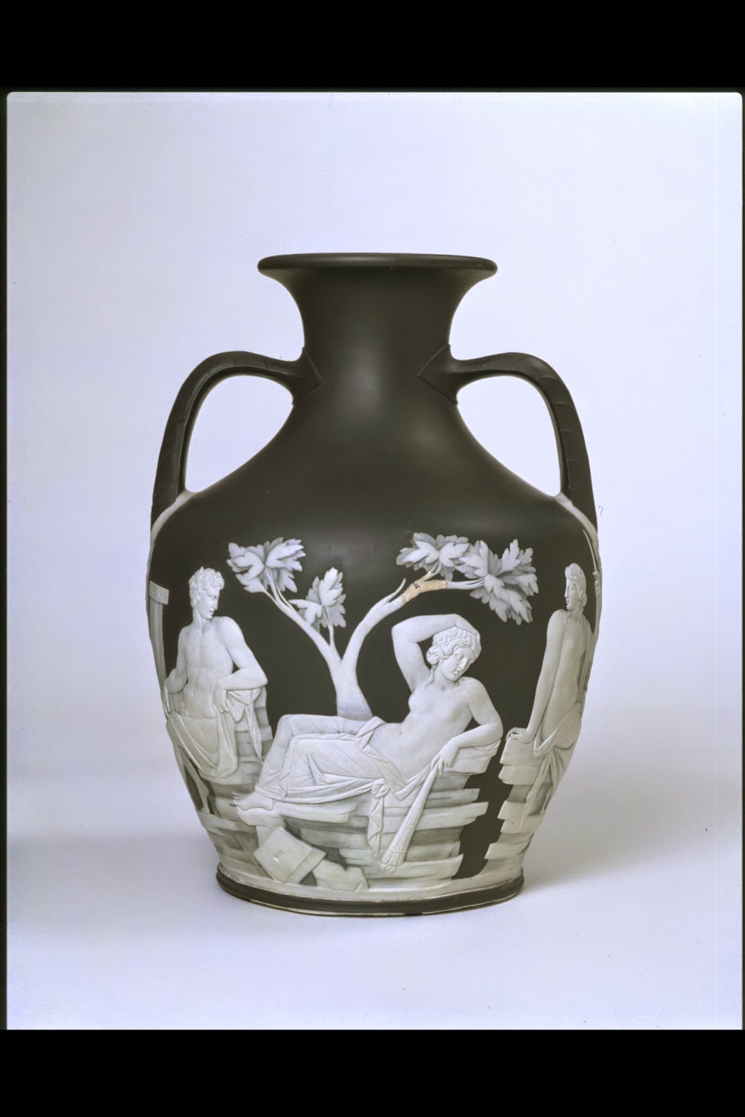 wedgwood portland vase of frozen ink september 2014 inside the portland vase c 1790 ht 25 5 cms
