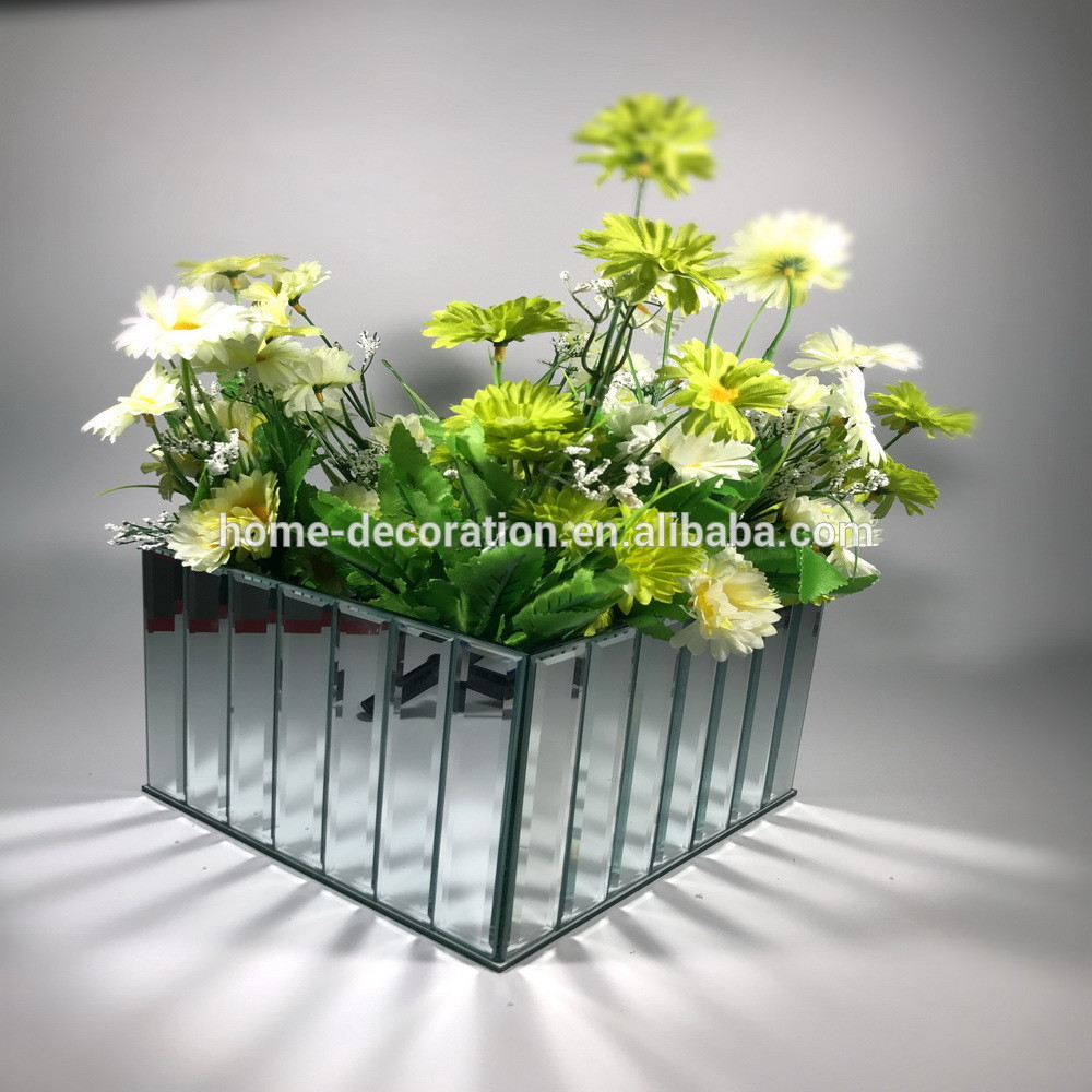 12 Great White Plastic Vases wholesale