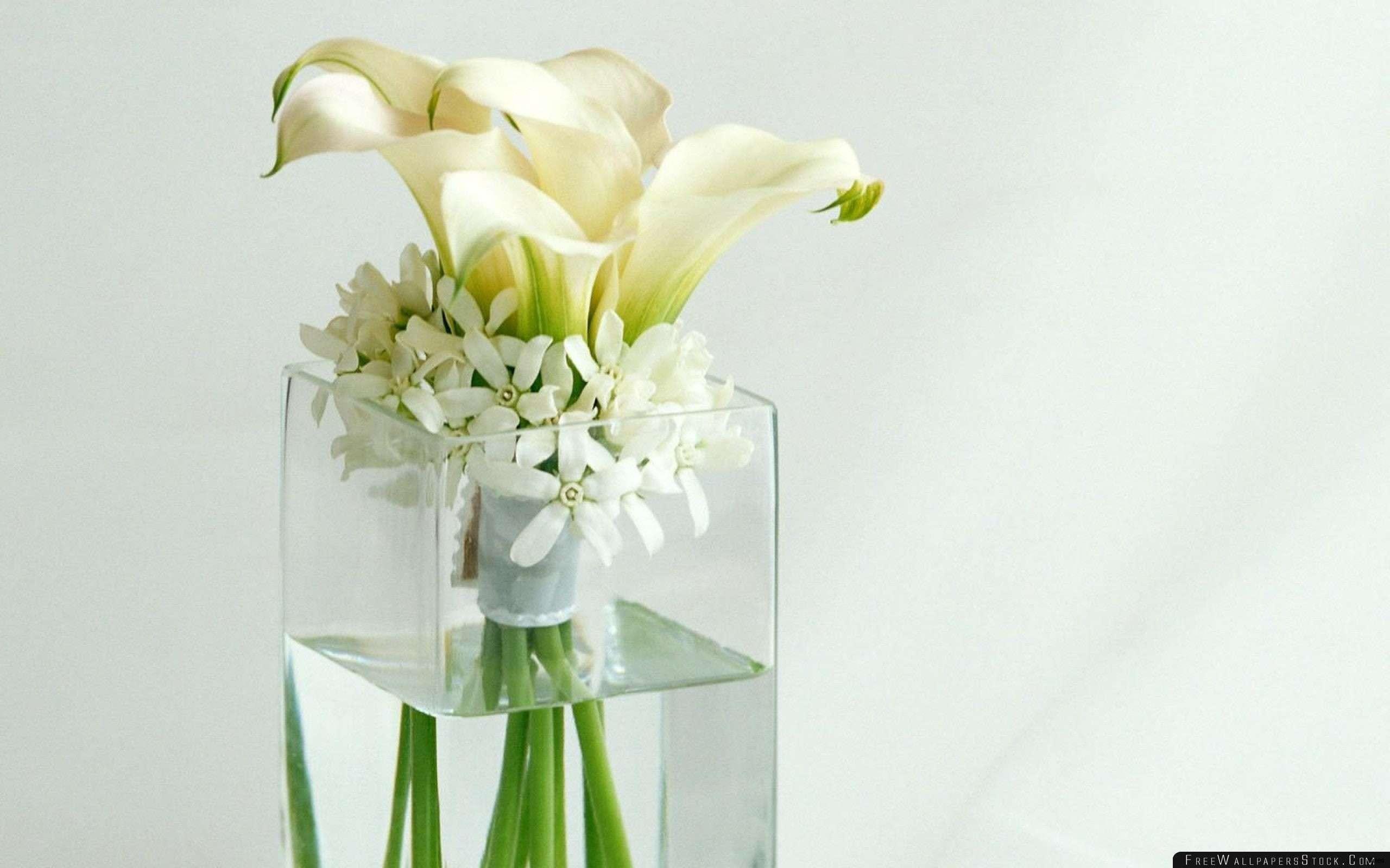 22 Fabulous Wine Glass Vase Flower Arrangement